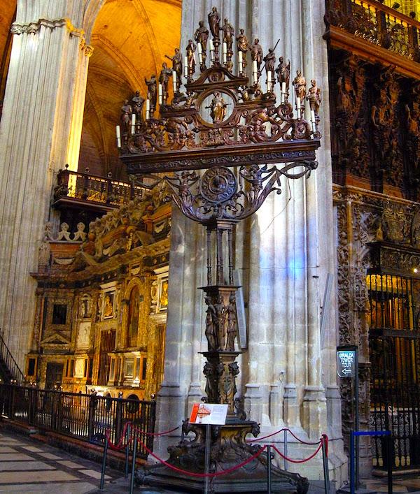 Tenebrario de la catedral de sevilla conoce mi ciudad for Exterior catedral de sevilla